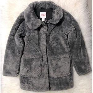 Little girls Cat & Jack faux fur coat size 6